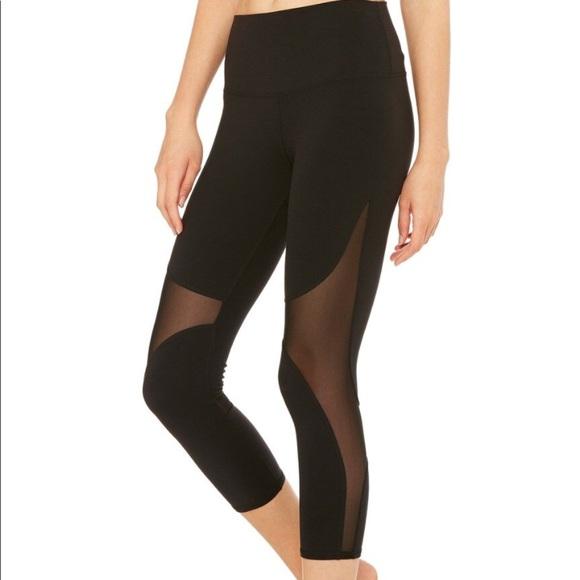High Waist Coast Capri Legging in Black. - size L (also in S) Alo Buy Cheap Store Buy Cheap Online WDVuSkixe